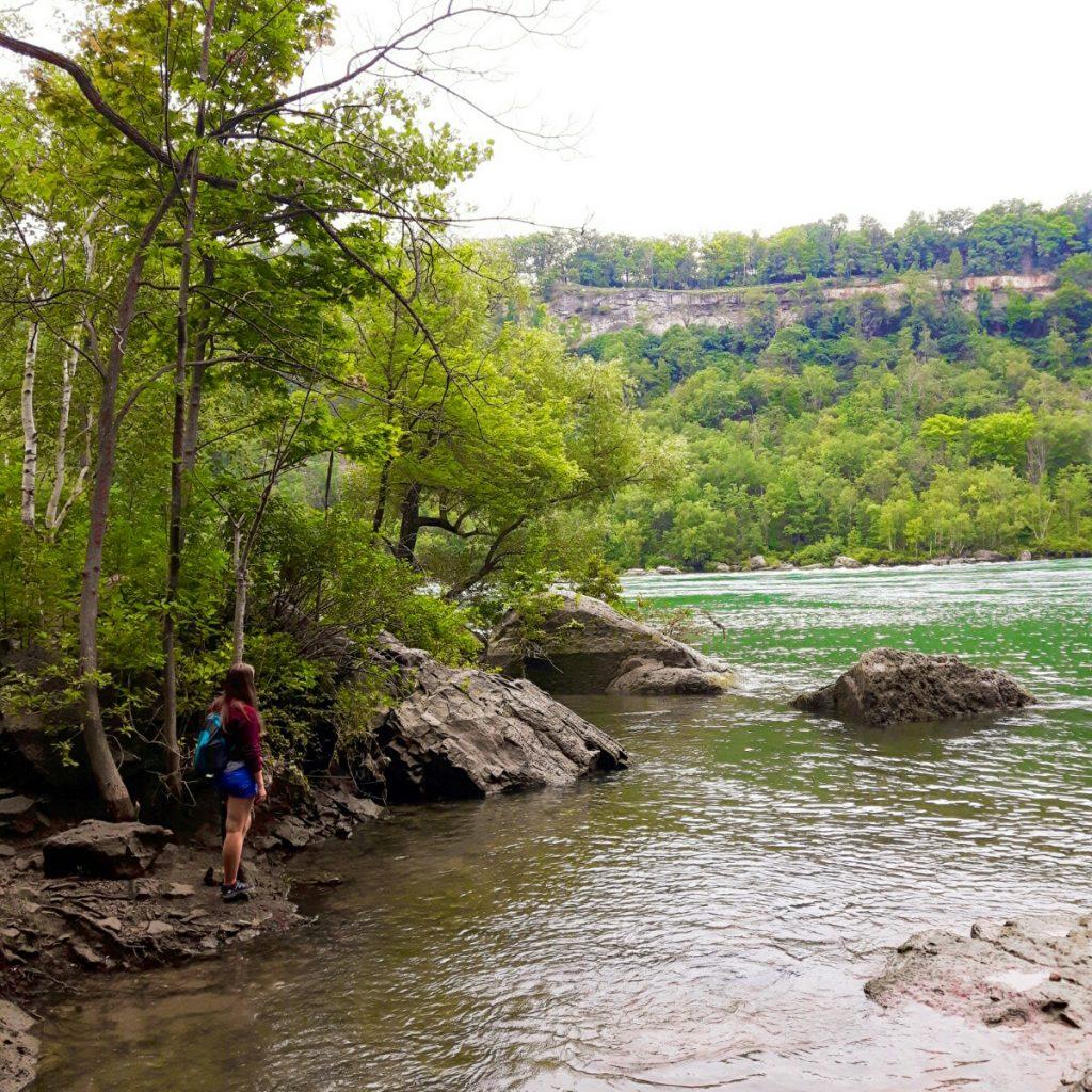A hiking trail near Niagara Falls.